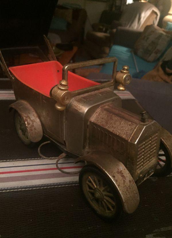 1918 wind up metal convertible car