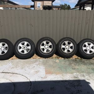 245/75R17 MICHELIN TIRES STOCK JEEP WRANGLER WHEEL AND TIRES for Sale in Miami, FL