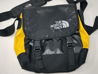 The North Face Messenger Bag for Sale in Milwaukie,  OR