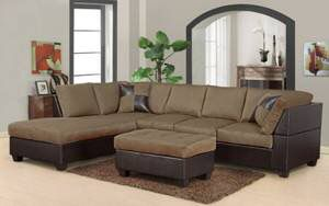 Microfiber sectional w/ottoman for Sale in Austin, TX