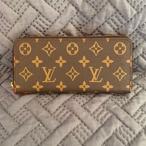 LV Brown Leather Long Zippered Women's Wallet for Sale in Louisville, KY