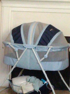 Baby bed sleeping like new for Sale in Gastonia, NC