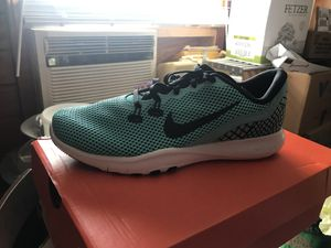 Nike women's shoes need gone for Sale in Miami, FL