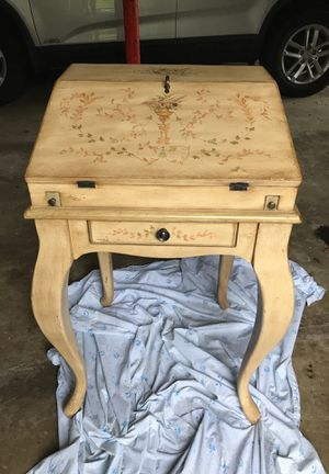 Small hand painted desk for Sale in Falls Church, VA