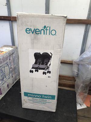 Evenflo Minno twin stroller for Sale in San Bernardino, CA