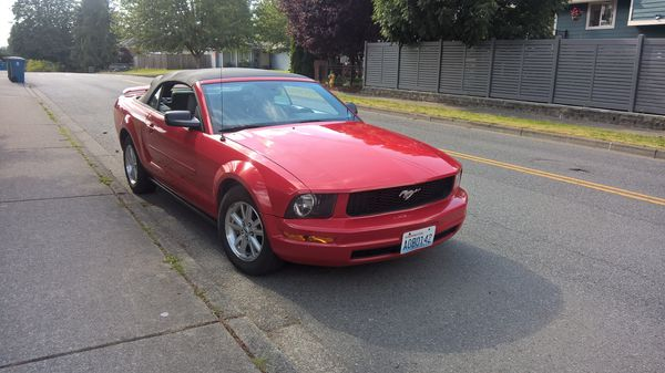 2006 Ford Mustang red convertible
