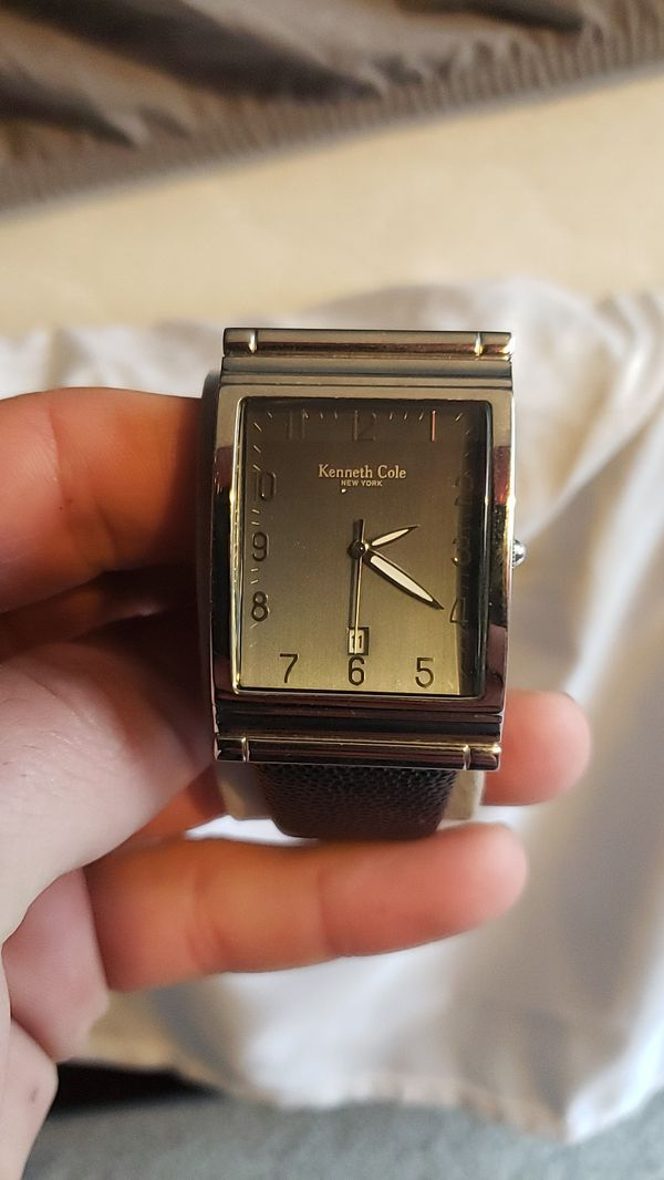 Kenneth cole watch and apple radio