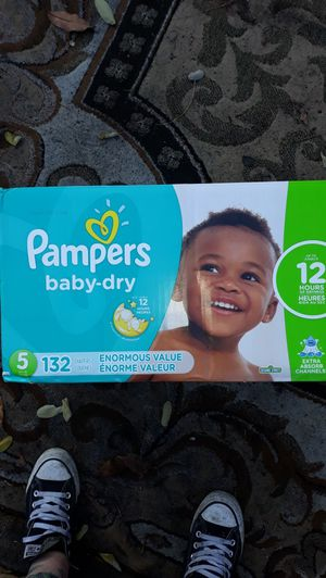 Pampers diapers size 5 132 count for Sale in Portland, OR
