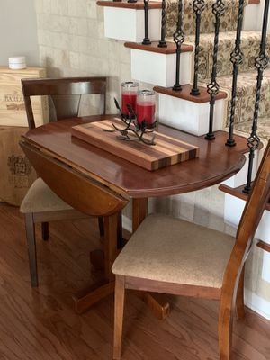 Dining table with two chairs for Sale in Largo, FL