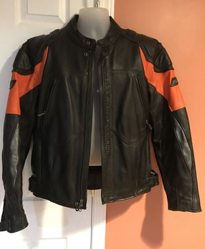 Authentic Harley Davidson Leather Jacket (shoulders, elbows, front and back padded), size L for Sale in Farmington Hills, MI