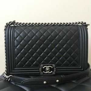 Chanel bag for Sale in Valley Stream, NY