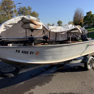 Lowe's 16' Fishing Boat for Sale in Levittown, PA