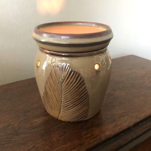 SCENTSY Mid-Size Warmer for Sale in Long Beach, CA