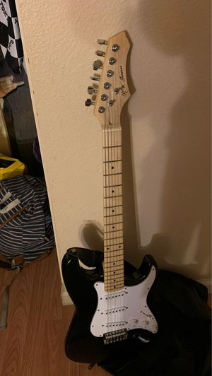 Full Size Electric Guitar w/ all equipment for Sale in Lakewood, CA