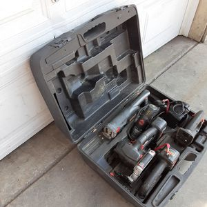 18 VOLTS CRAFTSMAN TOOLS SET for Sale in Long Beach, CA