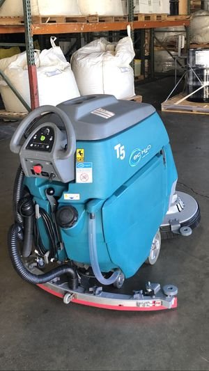 "Tennant T5 wall behind floor scrubber 32"" for Sale in HUNTINGTN BCH, CA"