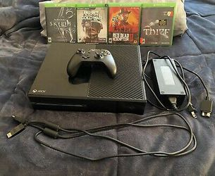 Microsoft Xbox One X 500GB Black Bundle w/ (4) Games, Controller & All Cables   for Sale in Addison, TX