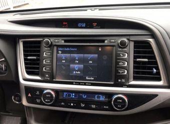 Toyota Highlander 2014-2019 oem radio for Sale in Chicago,  IL