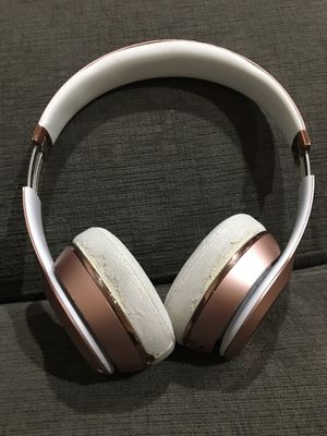 Beats solo rose gold for Sale in Chino, CA
