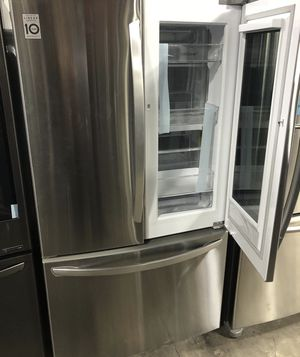 Brand new LG insta view 27 cu ft refrigerator for Sale in Lincoln, NE