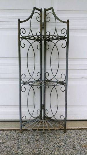 Antique wrought iron corner shelve for Sale in Everett, WA