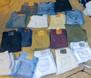 Mens Levi's & more size 32x30 , 32x32 for Sale in Tacoma, WA