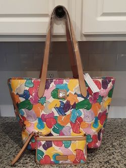 Dooney & Bourke Ducks Hearts Stars Large Tote and Wristlet - New With Tags for Sale in Lake Butler,  FL
