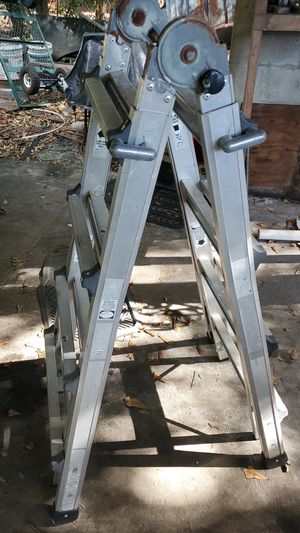 Extendable ladder for Sale in Zolfo Springs, FL