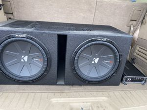 212 inch kicker comp r subs with 1200 watt kicker amp for Sale in Peoria, IL