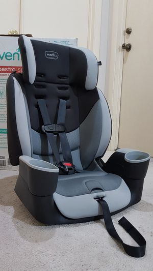 Evenflo Maestro Sport Harness Booster Car Seat - 2 in 1 for Sale in Sugar Land, TX