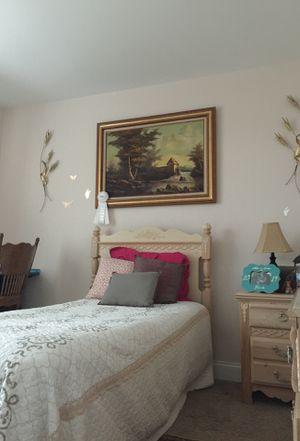 4 full piece bedroom set for Sale in Murfreesboro, TN