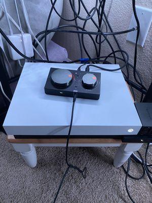 Xbox One X w/ Turtle Beach Headset for Sale in Fresno, CA