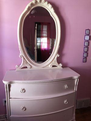 Girls full bedroom set for Sale in Niagara Falls, NY
