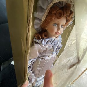 Porcelain doll for Sale in Gibsonton, FL