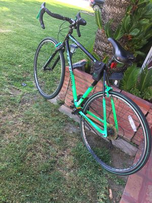 Rout bike. Good condition the only thing is rear tire is flat aluminum frame for Sale in Rosemead, CA