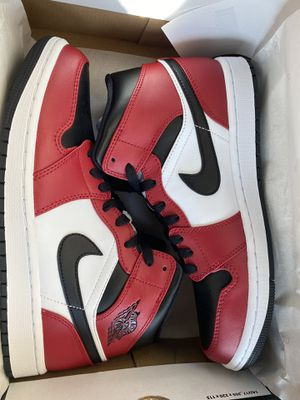Jordan 1 Mid Chicago Black Toe Size 9.5 M for Sale in Anaheim, CA