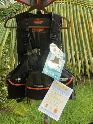 Spiderwire Adult Fishing Vest for Sale in St. Pete Beach, FL