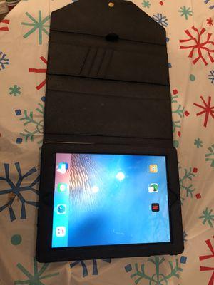 32GB iPad with Michael Kors multi purpose case for Sale in Hastings, NE