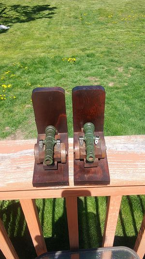 Vintage 1950's 6x7in Cannon Bookends for Sale in Port Angeles, WA