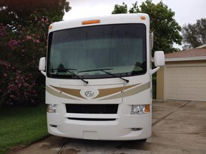 2011 four winds Hurricane 31 D Ford v10 class A motor coach for Sale in Naples, FL