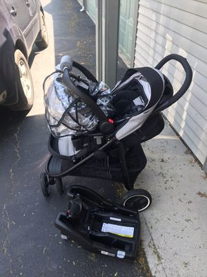 Graco stroller & car seat combo with car base. for Sale in Bexley, OH