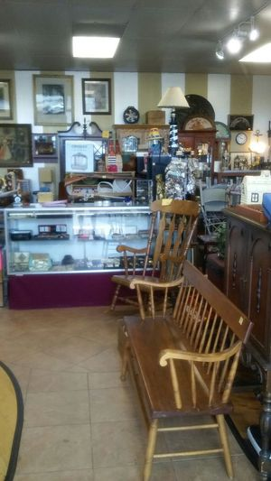 1000's of antique, vintage, moden collectibles, furniture, jewelry, sports related, watches, knives, household and housewares and much, much more. for Sale in St. Louis, MO