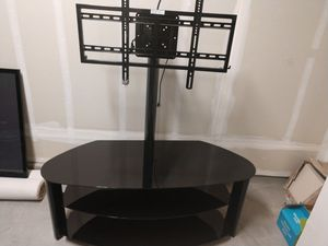 Entertainment center with TV Mount for Sale in Lathrop, CA