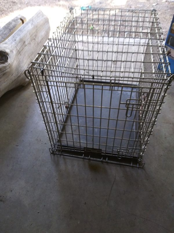 Dog crate Midwest model 390z good condition