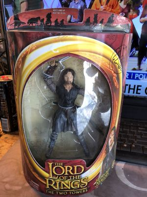 The Lord of the Rings TWO TOWERS HELMS DEEP Aragorn Action Figure for Sale in Fresno, CA