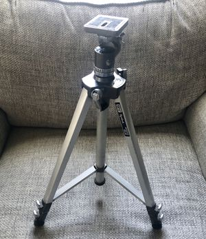KENLOCK SV GLB3000 EXTEND TRIPOD HEAVY DUTY for Sale in Fresno, CA