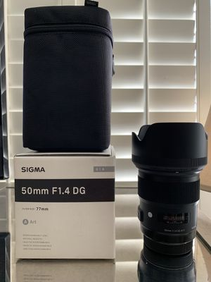 Sigma 50mm f1.4 Art lens (canon mount) for Sale in Irvine, CA