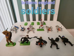 Vintage Britains And Deetail Warriors 11 Figures And 4 Separate Green metal plate stands for Sale in Falls Church, VA