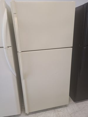 Kenmore top freezer refrigerator used good condition with 90 days warranty for Sale in Mount Rainier, MD