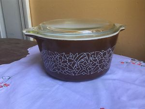 Pyrex Woodland Brown Casserole Baking Dish for Sale in Tampa, FL